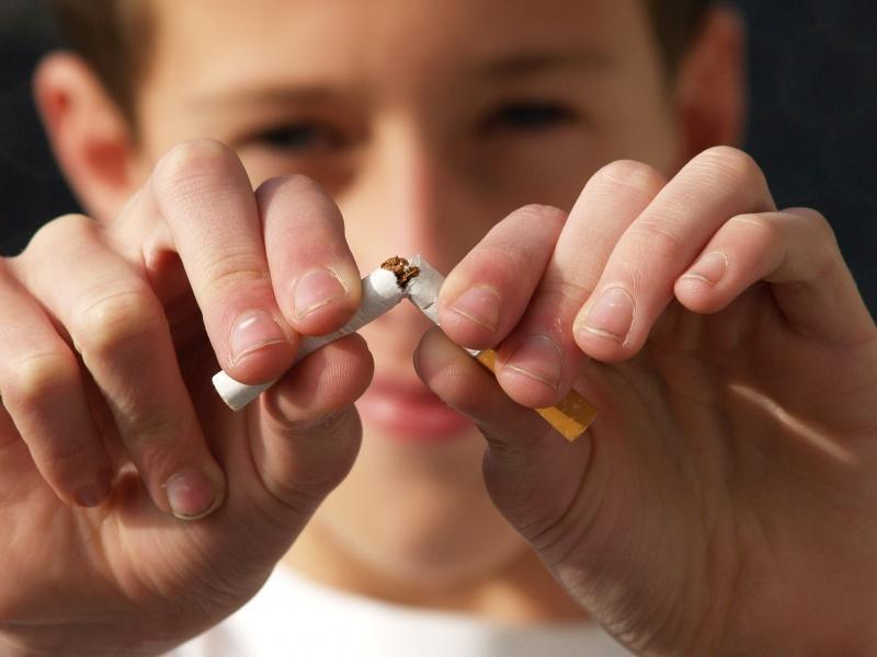 """Simpozij: """"Odločeni! Opuščamo kajenje"""""""